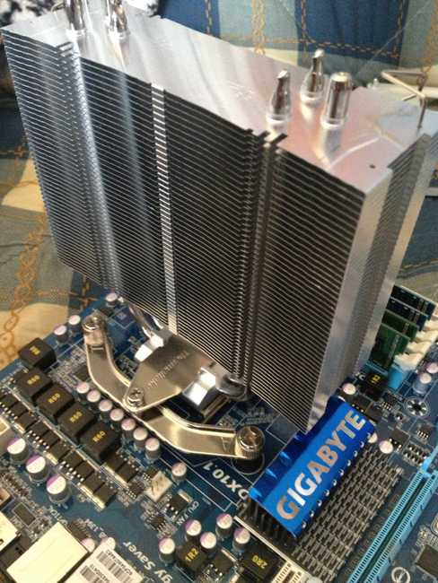 Fijación del disipador Thermaltake NIC F3